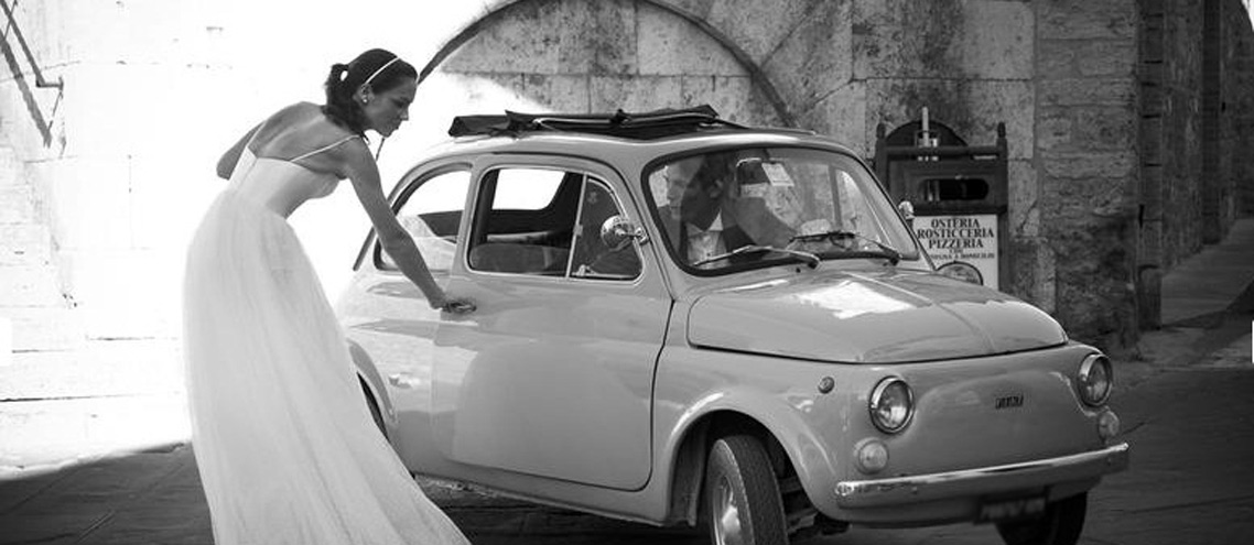 rent for your wedding too a Fiat 500 or a Vespa in Tuscany